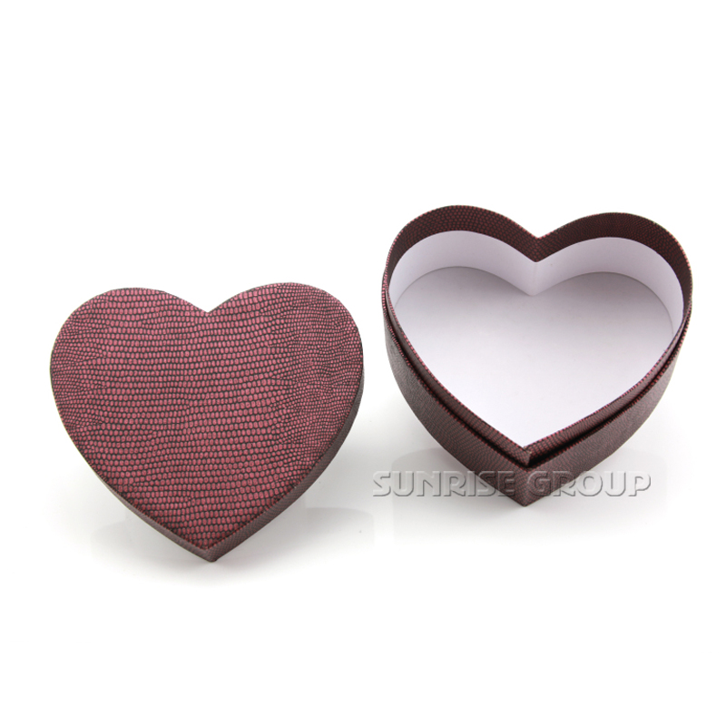 Custom Logo Heart Shape Paper Packaging Gift Box