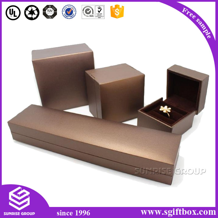 White Swirl Embossed Jewelry Boxes With Cotton Fill Dongguan Sunrise